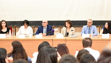 FIRST LADY ANNA HAKOBYAN WAS RECEIVED AT YSU FACULTY OF JOURNALISM (VIDEO MATERIAL)