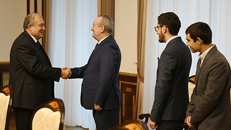 PRESIDENT SARKISSIAN HOSTED THE YSU TEAM WHICH PARTICIPATED TO THE INTERNATIONAL COLLEGIATE PROGRAMMING CONTEST
