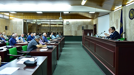 PROPOSALS ON MAKING CHANGES IN REGULATIONS, THEIR CONFIRMATION, DUSCUSSION OF CURRENT ISSUES AND YSU RECTOR'S RESIGNATION: MEETING OF YSU ACADEMIC COUNCIL IS HELD